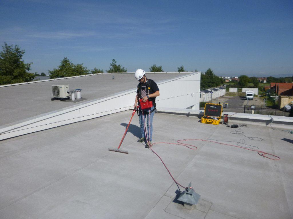 recherche fuite toit plat